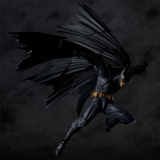 """""""蝙蝠""""形のマントを再現可能!アメイジング・ヤマグチ No.009「バットマン」 可動フィギュア が予約開始! 0511hobby-batman-IM004"""