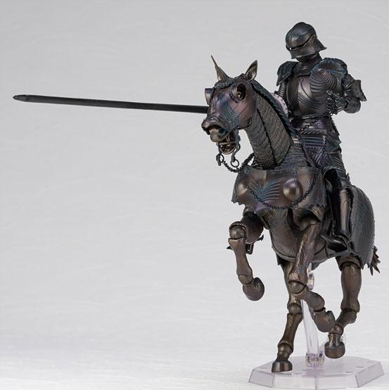 タケヤ式自在置物 15世紀ゴチック式エクエストリアンアーマー 海洋堂 可動フィギュアが登場!騎手用甲冑と軍馬のセット!馬上槍も付属! 0201hobby-armer-IM002