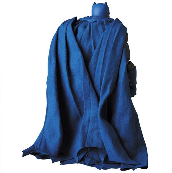 マフェックス BATMAN (The Dark Knight Triumphant) 可動フィギュアが予約開始! 1224hobby-batman-IM004