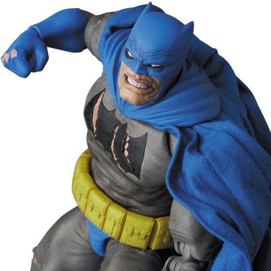 マフェックス BATMAN (The Dark Knight Triumphant) 可動フィギュアが予約開始! 1224hobby-batman-IM006