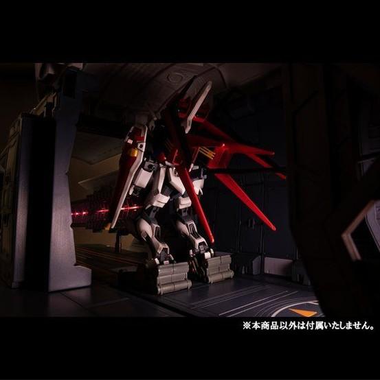 Realistic Model Series 機動戦士ガンダムSEED 1/144 HGシリーズ用 アークエンジェルカタパルトデッキ メガハウスが一部店舗限定で予約開始! 0430hobby-angel-IM005